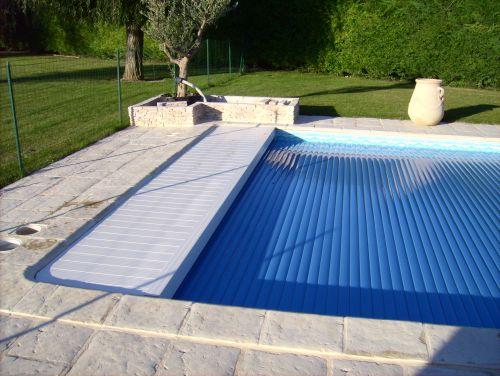 Volet motorisé automatique de piscine